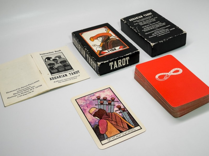 1970 1st ed. Aquarian deck (orange/white)