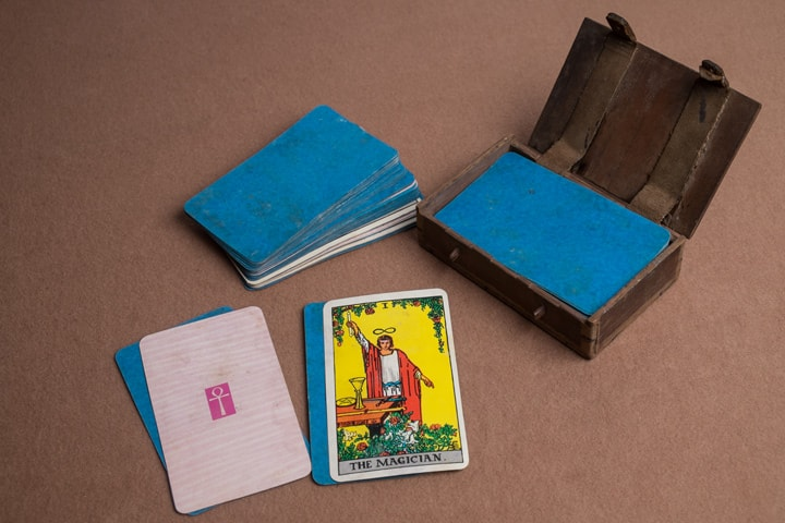 "Undated U.B. deck that has split—note the ""blue core"""